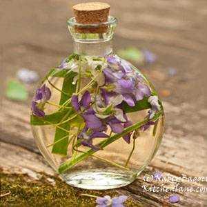 Make Your Own Herbal Vinegar