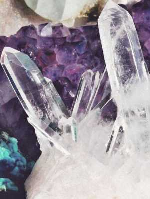 Crystals to Connect You With the Other Side of the Veil