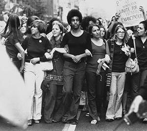 b2ap3_thumbnail_Womens-Strike-for-Equality-26AUG1970-NYC-Marchers.jpg