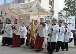 b2ap3_thumbnail_Catholic-procession.jpg