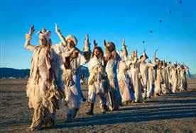 b2ap3_thumbnail_white-procession-Burning-Man.jpg